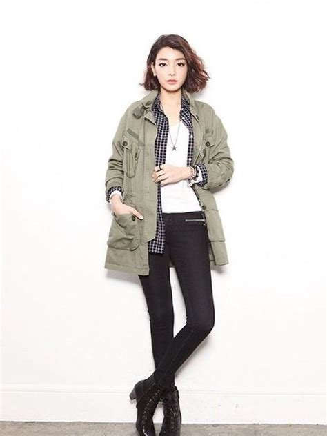 Jaket Wanita Pocket Parka Ala Korea Ori 6 gaya memakai jaket parka biar makin keren seperti cewek