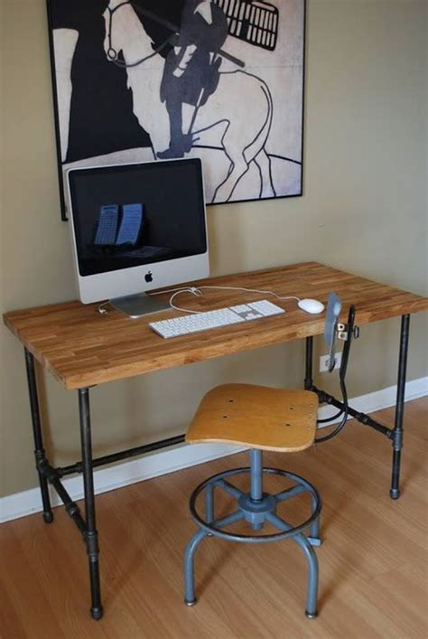 Diy Industrial Desk by 25 Best Ideas About Pipe Desk On Industrial