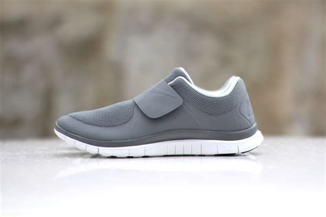 Sepatu Sport Casual Running Nike Free Slip On these simple nike slip on sneakers are all sorts of cool