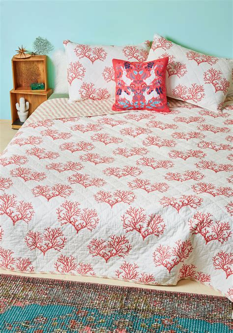 red coral decor stock images image 4448644 my coral values quilt set in full queen mod retro