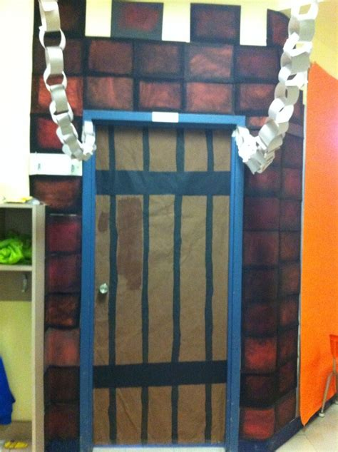 themes in the book chains teaching castles to ks1 castles resources knights