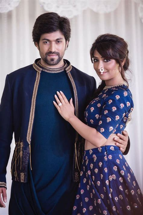 Photos : Yash And Radhika Pandit Engagement Pictures ...