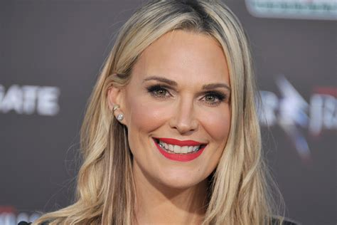 molly sims chin length for thin fine hair molly sims neck moisturizing tip moisturizers skin
