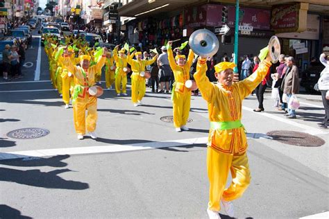 San Francisco New Year Parade by San Francisco Falun Gong Parade Celebrates New