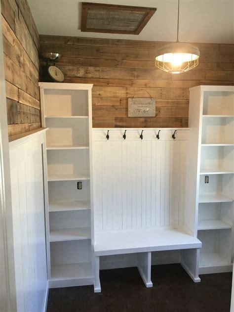 1000  ideas about Mud Rooms on Pinterest   Gray floor