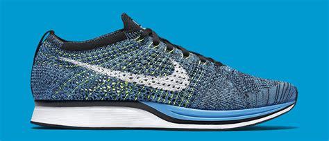 Nike Flyknite Racer Pria nike flyknit racer blue glow sneaker bar detroit