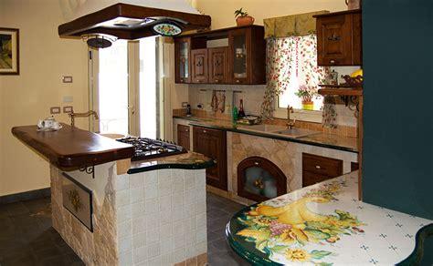 realizzazione cucine in muratura cucina in finta muratura smontabile lombardia