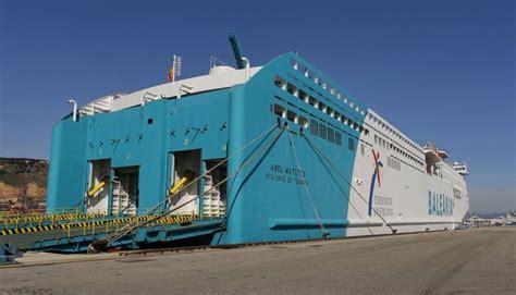 ferry en espa ol llega a barcelona el primer ferry de espa 241 a de baja