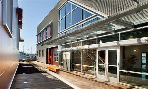 boat owners warehouse corporate office historic renovation 187 gly construction
