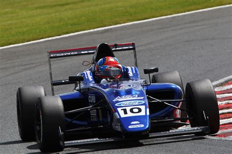 Victory Fast 4 fast starting collard sprints to victory at oulton park