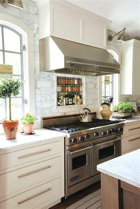 best 25 kitchen vent hood ideas on pinterest kitchen best 25 stainless steel range hood ideas on pinterest