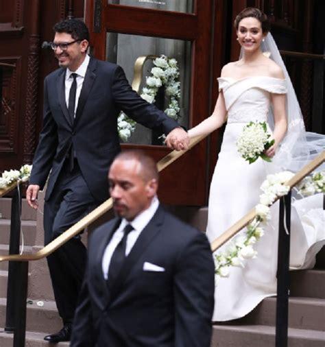 emmy rossum is married to shameless star emmy rossum marries fiance sam esmail