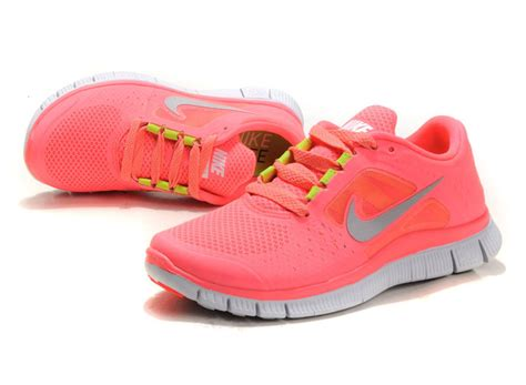 nikes free run shoes womens world fashion nike free run 3 womens coral 2013 running