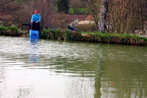 p 234 che en canal en automne traquez les gardons 224 l anglaise