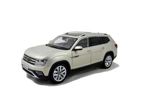 volkswagen car models volkswagen vw teramont 2017 1 18 scale diecast model car