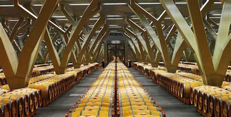 Chais Vin by Le Chai Spectaculaire De Ch 226 Teau Talbot Le Figaro Vin