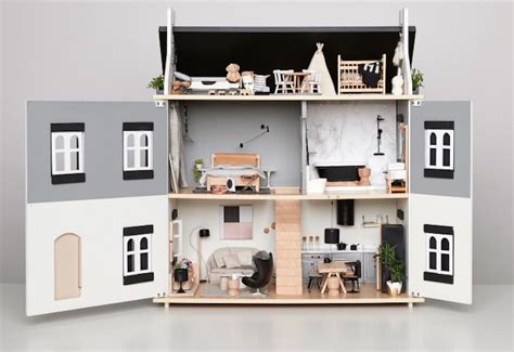 Amazing Blogs On Miniature Dollhouses by Interior Designer Creates A Dollhouse Masterpiece For