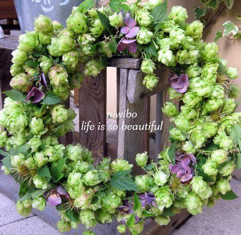 Deko Mit Blumen 2289 hopfenkranz mit hortensien und clematisfruchtst 228 nden