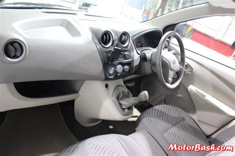 mpv car interior datsun go mpv 7 seats sub 4 meter launch in 2014 pics
