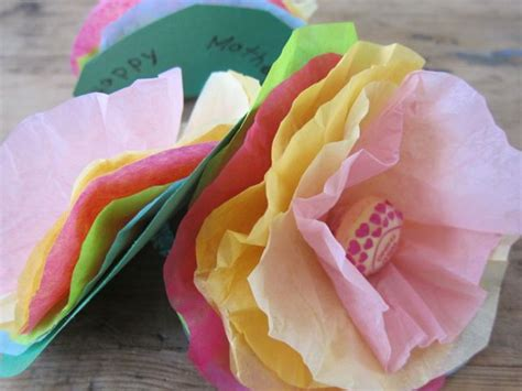 Tissue Paper Flowers Craft - how to make lollipop tissue paper flowers