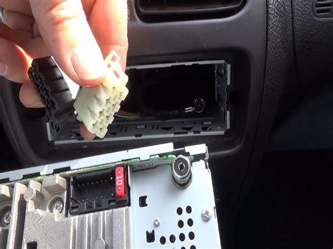 Stop L Toyota Kijang 1997 Y C R Lh 2 cambio de una radio de coche original por una radio