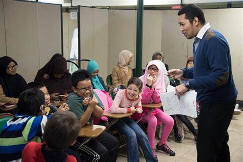 airasia unaccompanied minor in new york children of indonesian migrants learn bahasa