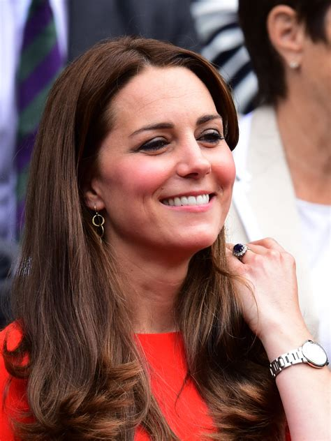 kate middleton looks gorgeous with new hairstyle rides kate middleton makes drastic hair change photographed
