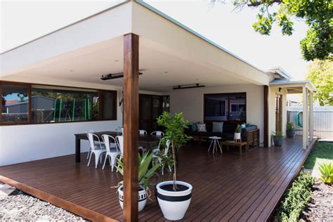 Attached Ground Level Deck With Flat Roof Pergola Decking