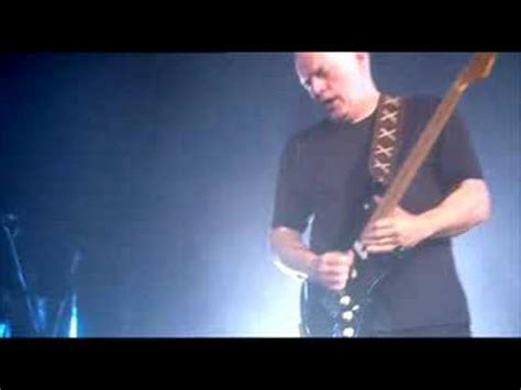 comfortable numb solo quot comfortably numb quot solo david gilmour royal albert hall