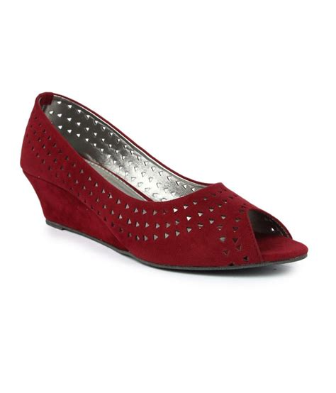 maroon g finesse maroon pumps price in india buy finesse maroon