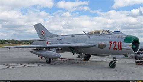 mikoyan mig 19 russian aircraft books 728 poland air mikoyan gurevich mig 19p at