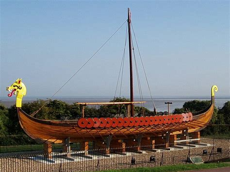 viking boats careers old wooden sailing ships they are beautiful