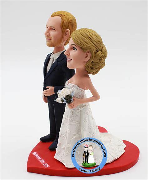 bobblehead wedding topper custom wedding bobble cake topper
