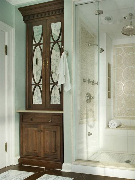 Built In Bathroom Linen Cabinets by 17 Best Ideas About Bathroom Built Ins 2017 On