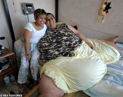 fifty plus wife tube the world s fattest man loses half his body weight but