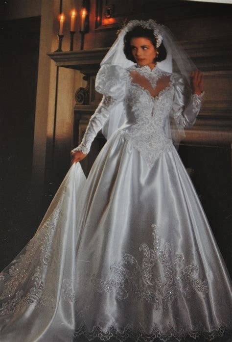 Brautkleider 80er Stil by 90s Wedding Dress Big Shoulders And Sleeves Became A