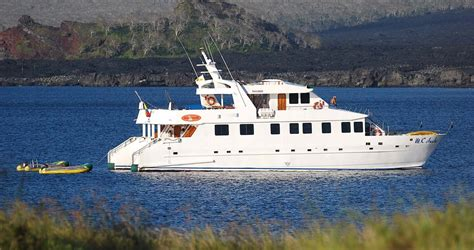 anahi galapagos cruise first class galapagos catamaran - Catamaran Anahi Galapagos
