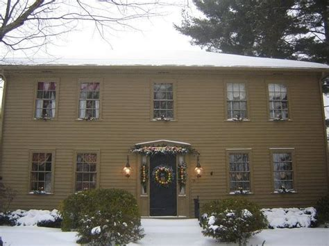 saltbox house home exterior pinterest 20 best images about homes in shades of mustard on