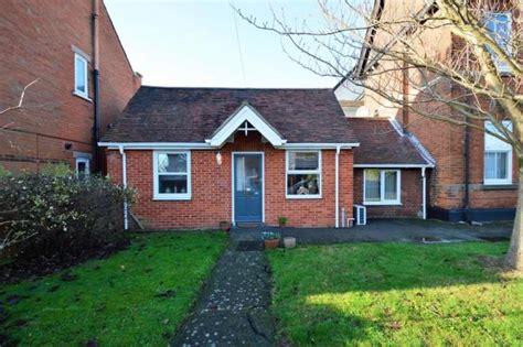 1 bedroom bungalow for rent 1 bedroom detached bungalow to rent in britannia road