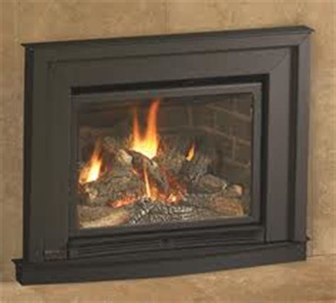 Small Fireplace Inserts by Regency L234 Small Gas Insert