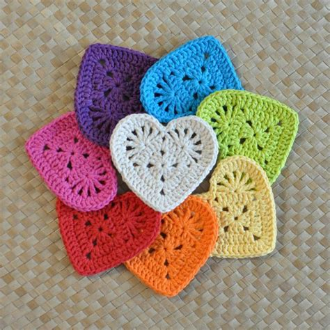 crochet pattern heart applique granny heart coaster n motif by island style craftsy