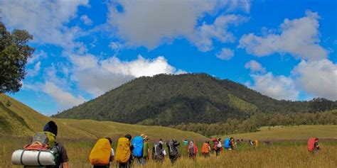 4 Hari 3 Malam Paket Wisata Belitung paket wisata gunung semeru 4 hari 3 malam