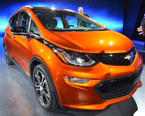 chevrolet mile of cars chevy debuts groundbreaking affordable 200 mile range bolt