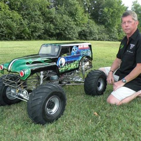 grave digger rc truck kevin holmlund s conley v8 powered 1 4 scale