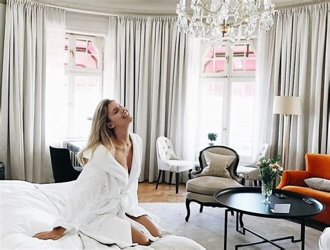 rooms by the hour the chic new way to rent luxury hotel rooms by the hour