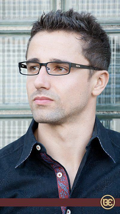 Haircuts For Guys With Glasses by Hairstyles For Guys With Glasses Hair Style