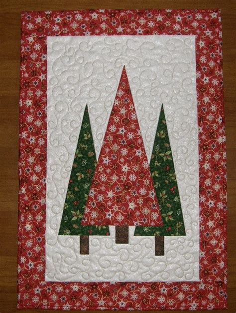 christmas tree pattern patchwork christmas trees quilted wall hanging red green quilt