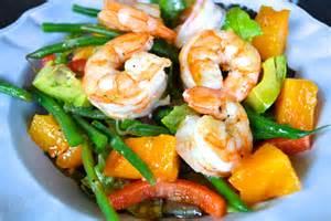 shrimp salad close
