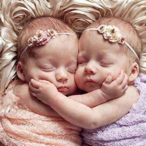 imagenes de gemelas terrorificas nombres para gemelas nombres para beb 233 s gemelas