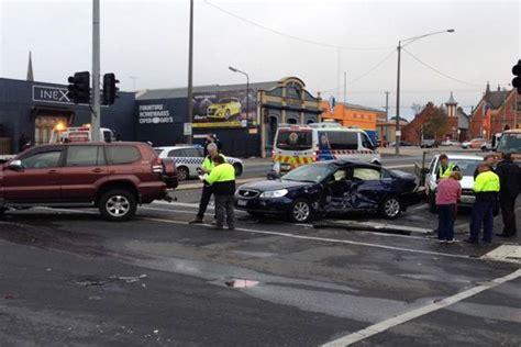 ballarat car crash three car crash in ballarat cbd the courier